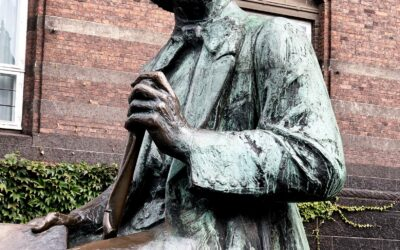 Statue of H. C. Andersen
