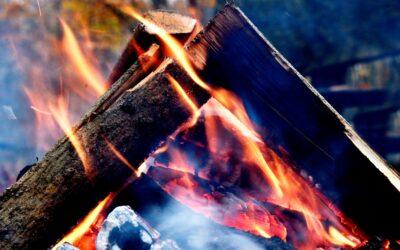 Åben ild giver glade børn