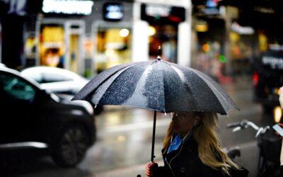 Voldsomt regnvejr plager Danmark