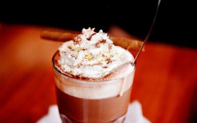 Varm kakao er et must på enhver café