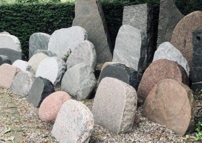 Gravsten hos stenhugger